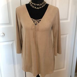 Eyeshadow Suede Top with Tie At V-Neck, Size Small